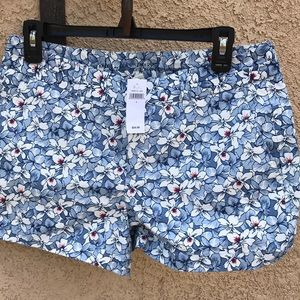 Size 4 gap shorts with floral print